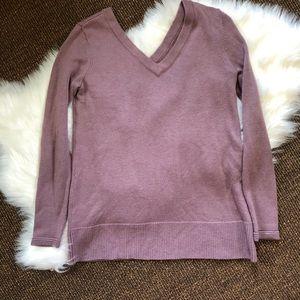 Market & Spruce V-neck Sweater | Size M